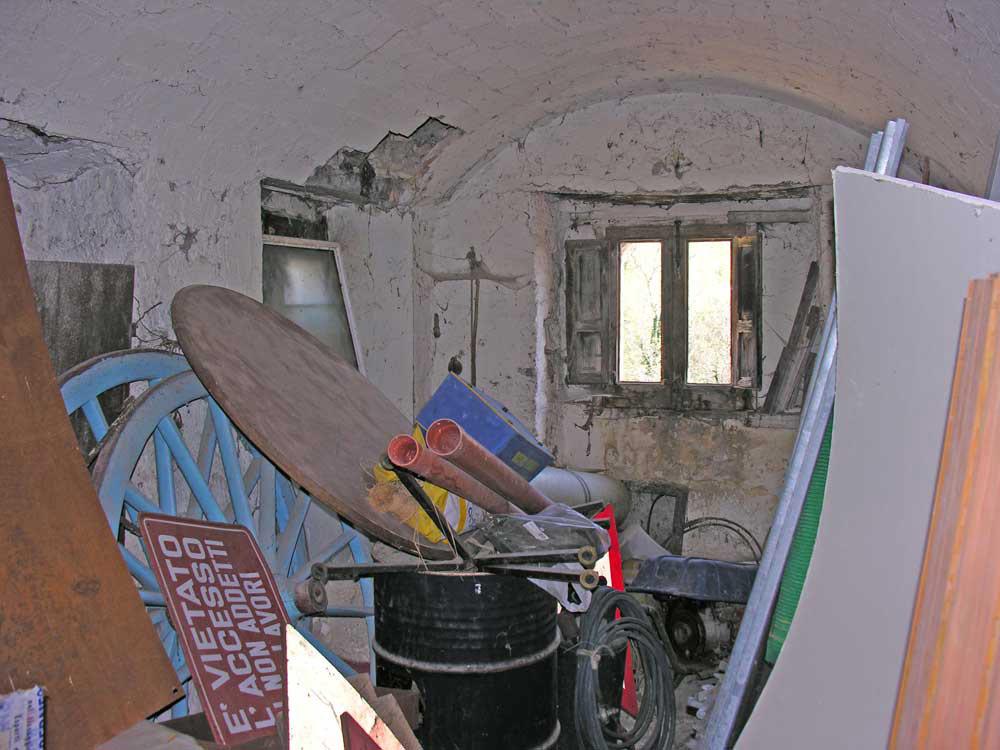 Steinhaus mit garten in tornareccio zum renovieren for Schuppen renovieren